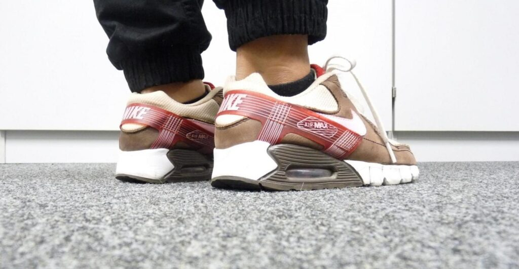 Nike Air Max 90 Current Huarache DQM