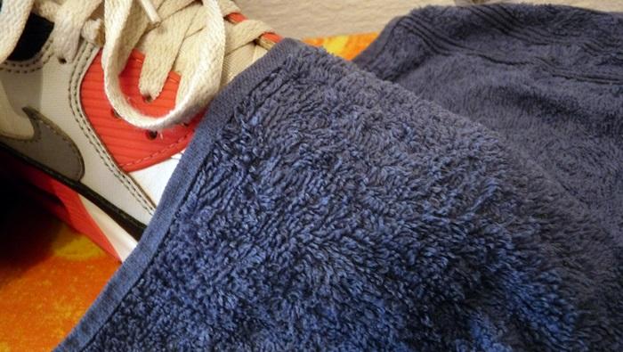Knitterfalte Sneaker Handtuch